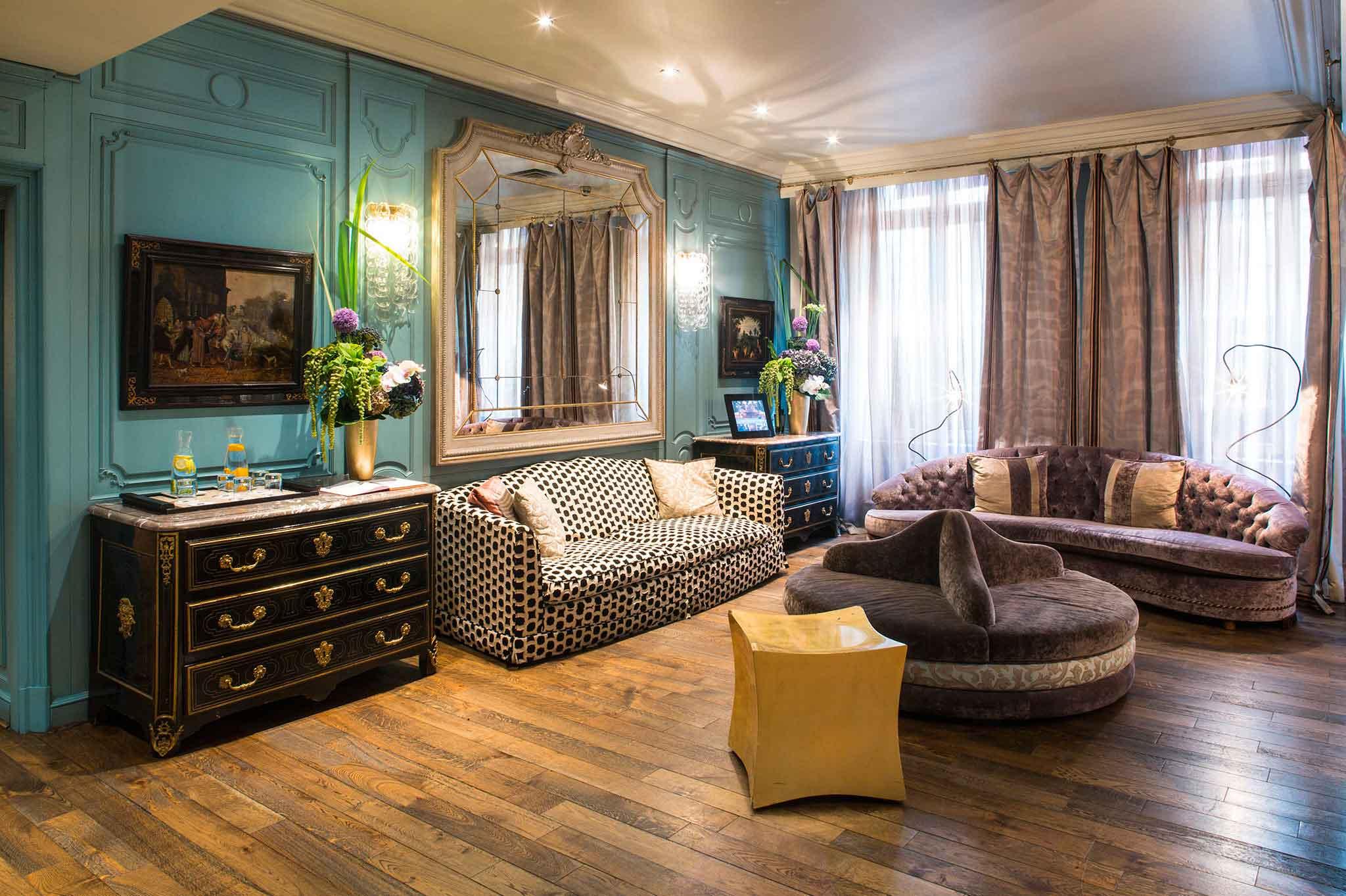Five-star-hotel-in-central-Paris-Castille-paris-Lobby